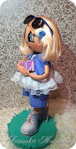 Решила по экспериментировать) куклу сделать не просто из фома, а немного разнообразить) Волосы -из атласной ленты, плюс мягкая футболочка) Очки-сьемные, при желании можно убрать)  фото 3