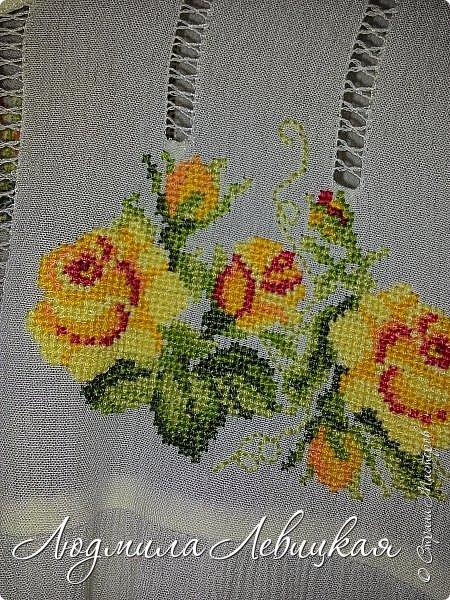 Сшила блузку из жатой марлевки. Украсила мережкой и вышивкой крестиком. фото 5