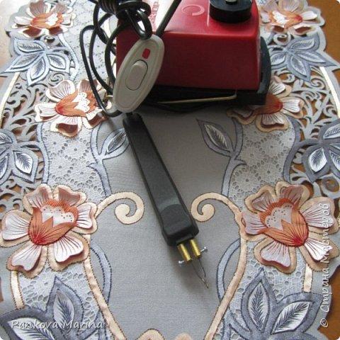 Выжигатель по ткани ( усовершенствованный  и доработанный мастером вручную ), при помощи которого я делаю картины и панно, скатерти и салфетки, цветы и броши, аксессуары и элементы одежды и многое другое . Все работы можно посмотреть в контакте и на Ярмарке мастеров. фото 1