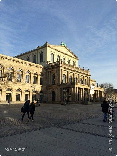 """Собственно о Ганновере красиво и подробно написано в книгах и в Паутине. Мой фоторепортаж - это мой путь в магазин моделей. Ничего больше.  На первой фотографии я не мог не изобразить визитную карточку Ганновера (HNWR) - административного центра земли Нижняя Саксония в Федеративной Республике Германия - Hannover City Hall (Rathaus), Новая Ратуша Ганновера - """"Neues Rathaus"""".  фото 10"""