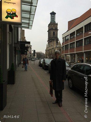 """Собственно о Ганновере красиво и подробно написано в книгах и в Паутине. Мой фоторепортаж - это мой путь в магазин моделей. Ничего больше.  На первой фотографии я не мог не изобразить визитную карточку Ганновера (HNWR) - административного центра земли Нижняя Саксония в Федеративной Республике Германия - Hannover City Hall (Rathaus), Новая Ратуша Ганновера - """"Neues Rathaus"""".  фото 26"""