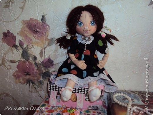 Моя куколка- Милана. Сшита из ткани-хлопок, личико расписано - акриловыми красками, тело тонировано- пастелью. Волосики из пряжи. фото 3