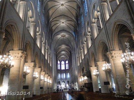 Дорогие друзья! Приглашаю Вас на небольшую экскурсию по Парижу. И вначале, разумеется, символ города - Эйфелева башня. фото 16