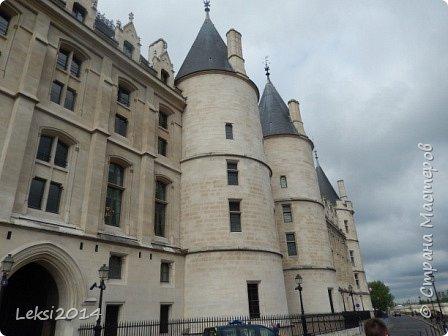 Дорогие друзья! Приглашаю Вас на небольшую экскурсию по Парижу. И вначале, разумеется, символ города - Эйфелева башня. фото 17