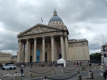 Дорогие друзья! Приглашаю Вас на небольшую экскурсию по Парижу. И вначале, разумеется, символ города - Эйфелева башня. фото 20