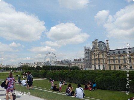 Дорогие друзья! Приглашаю Вас на небольшую экскурсию по Парижу. И вначале, разумеется, символ города - Эйфелева башня. фото 39