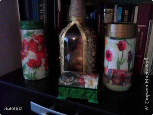 кукла для кухни-рядом бутылочка в технике пейп-арт по МК Татьяны Сорокиной и корзиночка из прищепок-на полочке декупаж на бутылке фото 4