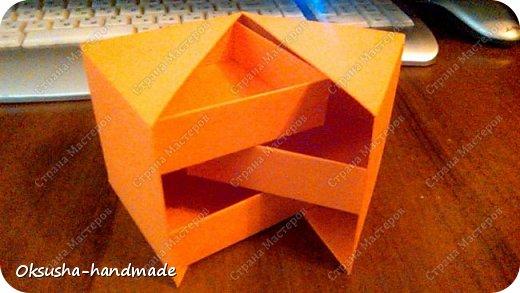 Моя проба пера по освоению нового дизайна коробочки была очень удачной, но потом когда я начала подстраивать кубик под свои идеи, столкнулась вот с какими трудностями: 1. Сама коробочка не очень прочная и не выдерживает положенные в каждый слой шоколадки. 2. Сами коробочки для наполнения тоже не очень прочные.  фото 13