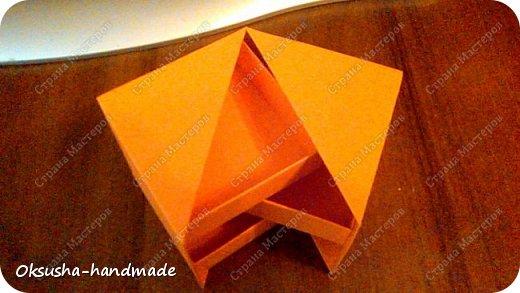 Моя проба пера по освоению нового дизайна коробочки была очень удачной, но потом когда я начала подстраивать кубик под свои идеи, столкнулась вот с какими трудностями: 1. Сама коробочка не очень прочная и не выдерживает положенные в каждый слой шоколадки. 2. Сами коробочки для наполнения тоже не очень прочные.  фото 14