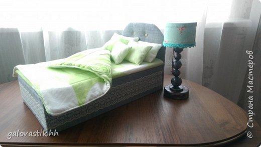 У дочурки скоро день рождение, решили подарить домик-стеллаж, а что бы куколкам не было грустно, решила сделать мебель для них))) фото 10
