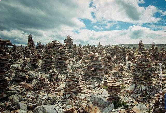 Сегодня я предлагаю посетить одну из главных достопримечательностей не только Чемальского района, но и всего Горного Алтая - Каракольские озера. О чем-то я расскажу сама, часть материала будет из Википедии, а то, что в кавычках - подписи к фотографиям Светланы Семиволовой - основного нашего фотографа. Некоторые из фотографий сделаны её племянником Сергеем Семиволовым. Реальная дорога к озерам трудна, а нам она дастся без труда, только немного времени потребует. Ну что ж, в добрый путь! фото 16