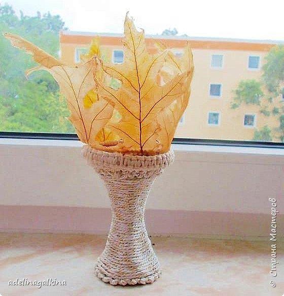 чёрная ваза из скелетированных листьев каштана фото 16
