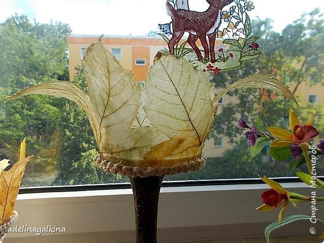 чёрная ваза из скелетированных листьев каштана фото 10