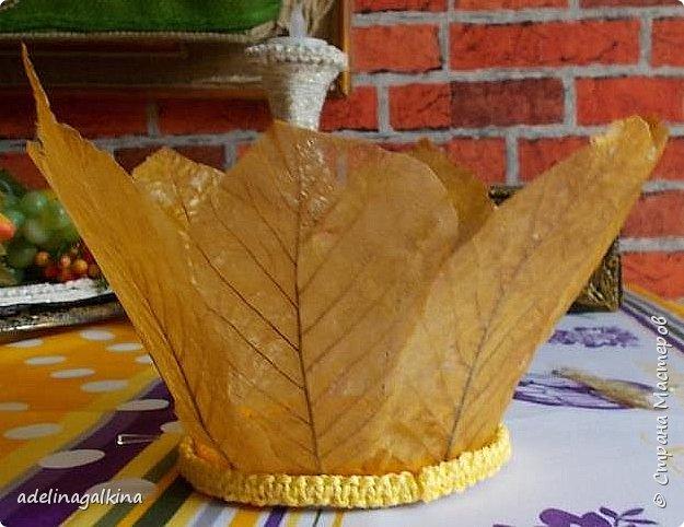чёрная ваза из скелетированных листьев каштана фото 6