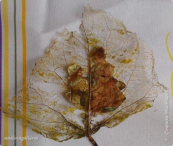чёрная ваза из скелетированных листьев каштана фото 13