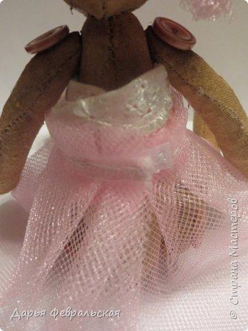 Приветствую жителей Страны Мастеров! Этот  мишка был сделан на день рождение подруге и уже уехал к ней домой) фото 5