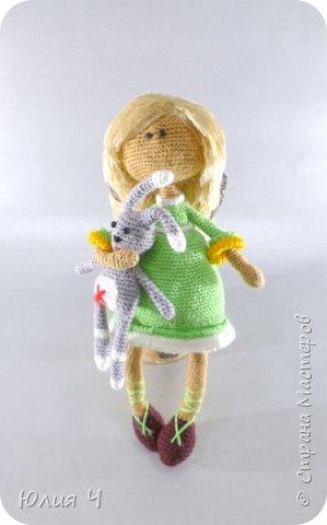 Доброго всем дня, дорогие друзья!Вот решила показать своих куколок, из последнего. Эту милую девчушку вязала по описанию  Юлии Шеенко. Очень уж она мне понравилась, захотелось связать такую светлую девочку. фото 1