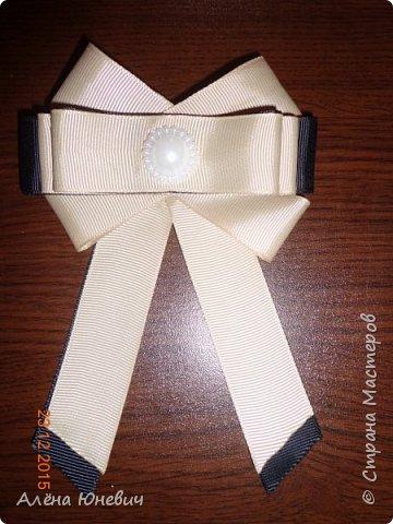 Школьный галстук и два банта для волос фото 4