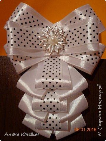 Школьный галстук и два банта для волос фото 5