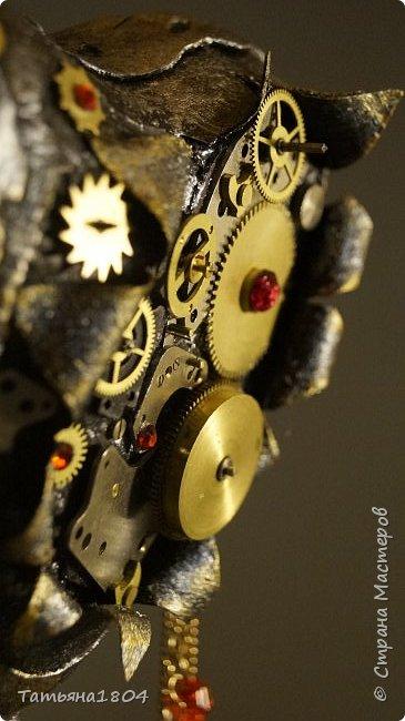 """Топиарий """"Механическое сердце"""". Высота 25 см. Натуральная кожа, детали часового механизма, стразы Сваровски, стразы стеклянные, цепи.  фото 9"""