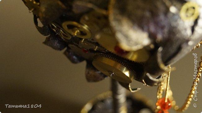"""Топиарий """"Механическое сердце"""". Высота 25 см. Натуральная кожа, детали часового механизма, стразы Сваровски, стразы стеклянные, цепи.  фото 10"""