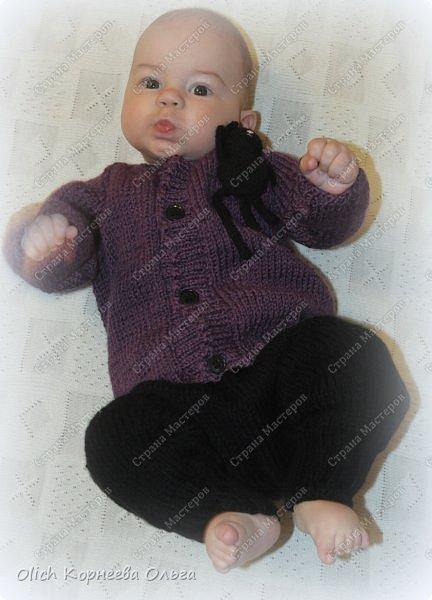 Здравствуйте. Хочу поделиться простым способом вязания штанишек для малыша. Комплект вязала для своего сыночка, на фото ему 5 месяцев. Вязала с небольшим запасом, сейчас жаркое лето, а вот месяца через 2-3 прохладными осенними денечками этот комплект будет очень кстати. фото 1