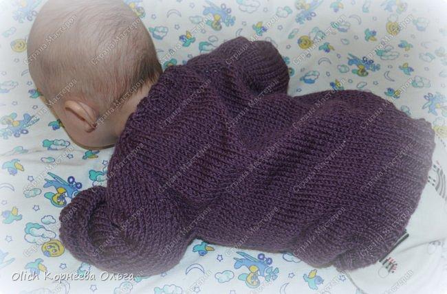 Здравствуйте. Хочу поделиться простым способом вязания штанишек для малыша. Комплект вязала для своего сыночка, на фото ему 5 месяцев. Вязала с небольшим запасом, сейчас жаркое лето, а вот месяца через 2-3 прохладными осенними денечками этот комплект будет очень кстати. фото 29