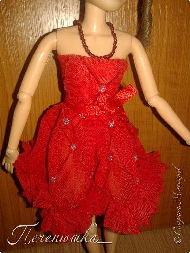 """Всем привет!!! Сегодня я к  вам с работой на конкурс """"Мисс июль"""" . Для конкурса я сшила красное платье. на данный образ меня натолкнула моя заколка, которую я случайно нашла в шкафчике, и тогда я решила, сделать девушку в образе алого цветка - мака.  фото 8"""