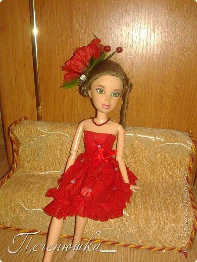 """Всем привет!!! Сегодня я к  вам с работой на конкурс """"Мисс июль"""" . Для конкурса я сшила красное платье. на данный образ меня натолкнула моя заколка, которую я случайно нашла в шкафчике, и тогда я решила, сделать девушку в образе алого цветка - мака.  фото 5"""