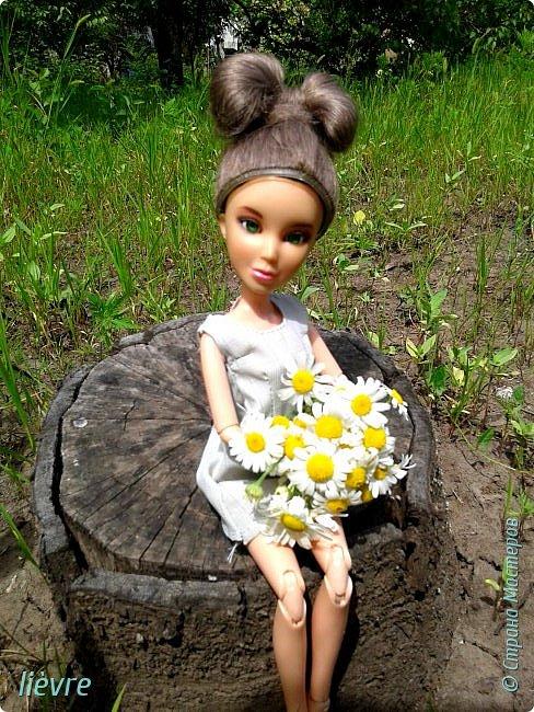 """Всем привет! Сегодня я решила поучавствовать в конкурсе """"Мисс Июль"""" и показать Вам свою работу. Моделью сегодня будет Катерина. Для конкурса я сшила летнее платье. Мне показалось, что для этого образа не обязательна обувь, поэтому сегодня мы будем """"босяком"""". Для начала, прошу меня извинить за качество фотографий. фото 1"""