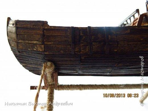 Вашему вниманию предлагается каравелла Нинья, одно из судов Колумба. Процесс изготовления тот же, что и в моей работе по созданию китайской Джонки. Во всех моих работах покупается только клей и краски. Остальные материалы - это как правило отслуживший деревянный мусор :-) фото 17