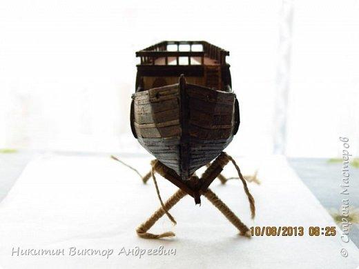 Вашему вниманию предлагается каравелла Нинья, одно из судов Колумба. Процесс изготовления тот же, что и в моей работе по созданию китайской Джонки. Во всех моих работах покупается только клей и краски. Остальные материалы - это как правило отслуживший деревянный мусор :-) фото 18