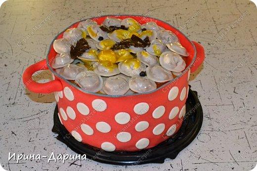 Торт-касрюля со сладкими пельмешками, маслом и перцем горошек . фото 1
