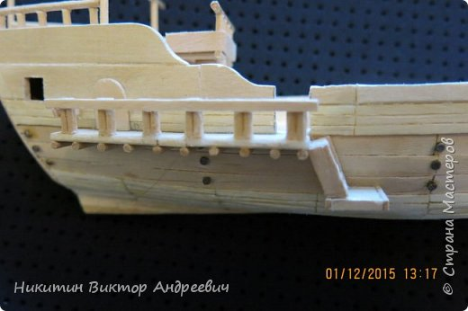 Представляю вашему вниманию модель китайской Джонки. Хочу сразу сказать, что это не копия существовавшего корабля. За основу были взяты сразу несколько моделей, многие детали придумывались самостоятельно. фото 14