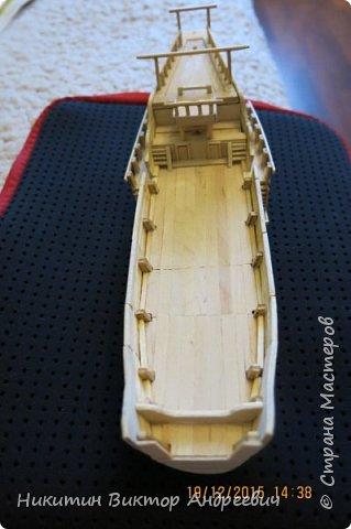 Представляю вашему вниманию модель китайской Джонки. Хочу сразу сказать, что это не копия существовавшего корабля. За основу были взяты сразу несколько моделей, многие детали придумывались самостоятельно. фото 16