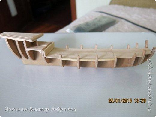 Представляю вашему вниманию модель китайской Джонки. Хочу сразу сказать, что это не копия существовавшего корабля. За основу были взяты сразу несколько моделей, многие детали придумывались самостоятельно. фото 6