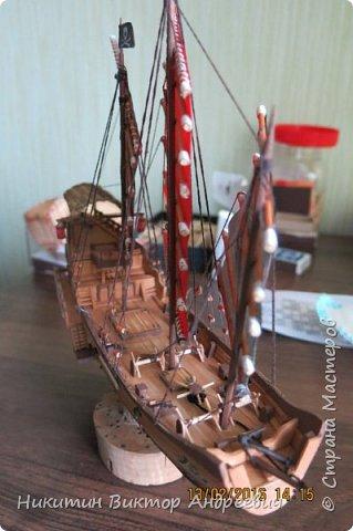 Представляю вашему вниманию модель китайской Джонки. Хочу сразу сказать, что это не копия существовавшего корабля. За основу были взяты сразу несколько моделей, многие детали придумывались самостоятельно. фото 22