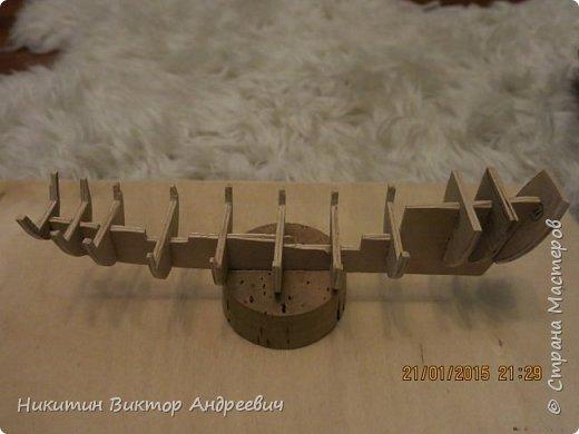 Представляю вашему вниманию модель китайской Джонки. Хочу сразу сказать, что это не копия существовавшего корабля. За основу были взяты сразу несколько моделей, многие детали придумывались самостоятельно. фото 5