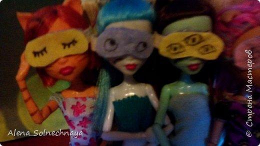 Всем привет! И сегодня я покажу вам как сделать маски для сна. Они не обычные! А двусторонние! Эту идею я уже видела в интернете, но мастер класса я не видела) Начнем! фото 17