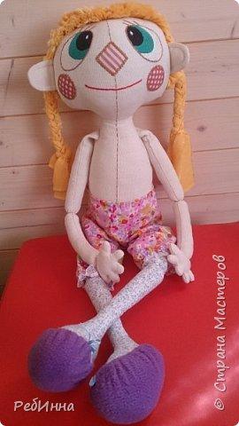 Наконец-то стала шиться прошлогодняя девчушка, осталось только платьице сотворить. Или рубашечку с юбкой? Или топик на лямках? Выбираем вместе. фото 1