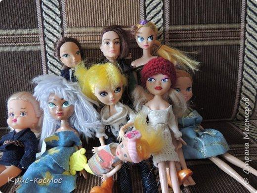Здравствуй, страна мастеров! Вы не знали всю мою кукло-семью полностью. У меня появились новенькие, и не только это. У меня скоро будет ещё пополнение. А с малышами я вас не знакомила. Из одной новенькой я уже успела сделать ООАК, но к сожалению забыла сфотографировать её до перерисовки. Но, надеюсь, вам понравиться. Почему на первом фото подсолнух? - спросите вы. А я скажу, чтобы  развлечь внимание.  фото 2
