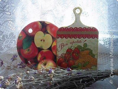 Две дощечки для разных целей: нарезать фрукты, овощи, хлеб. фото 1
