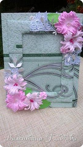 Приветствую Вас, соседи! Рамочки для фото всегда будут украшением интерьера и приятным, милым подарком. Хочу показать вам фото рамочки которые я сделала за последнее время. Приятного просмотра. фото 7