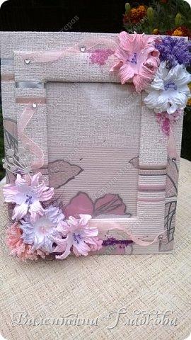 Приветствую Вас, соседи! Рамочки для фото всегда будут украшением интерьера и приятным, милым подарком. Хочу показать вам фото рамочки которые я сделала за последнее время. Приятного просмотра. фото 8