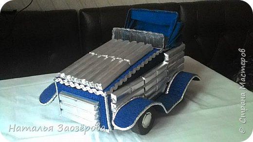 Машина из конфет фото 8