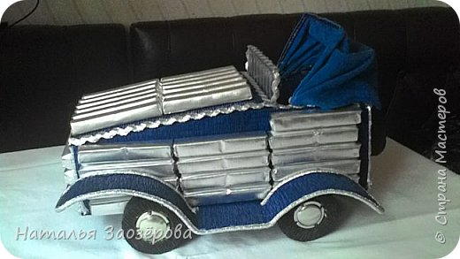 Машина из конфет фото 9