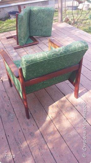 Честно говоря ожидала большего. Но у меня была цель, сделать мебель однотипную. Одинаковые стулья... одинаковые кресла Кому интересно, стулья вот здесь http://stranamasterov.ru/node/941866 фото 4