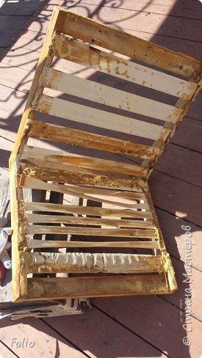 Честно говоря ожидала большего. Но у меня была цель, сделать мебель однотипную. Одинаковые стулья... одинаковые кресла Кому интересно, стулья вот здесь http://stranamasterov.ru/node/941866 фото 8