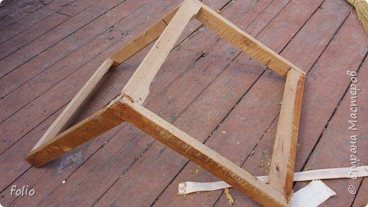 Честно говоря ожидала большего. Но у меня была цель, сделать мебель однотипную. Одинаковые стулья... одинаковые кресла Кому интересно, стулья вот здесь http://stranamasterov.ru/node/941866 фото 9