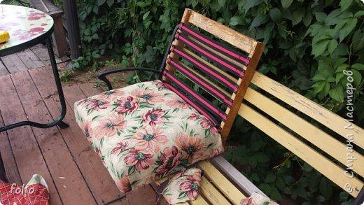 Честно говоря ожидала большего. Но у меня была цель, сделать мебель однотипную. Одинаковые стулья... одинаковые кресла Кому интересно, стулья вот здесь http://stranamasterov.ru/node/941866 фото 16